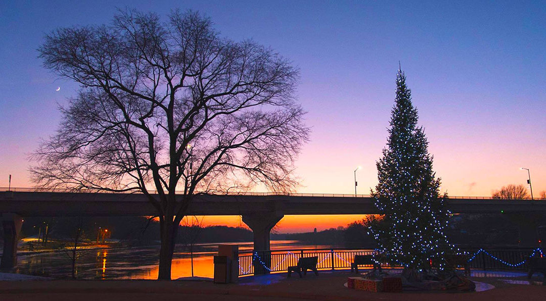 wrightstown wisconsin,winter,fox river,xmas tree,wrightstown bridge